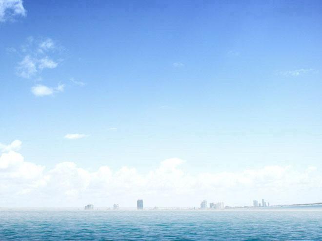 html              蓝天白云草原幻灯片背景模板下载 淡雅蓝色海洋海