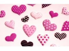 布满爱心的粉色巧克力必发88背景图片