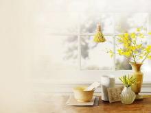 花瓶鲜花瓷碗构成的PPT背景图片