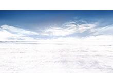 天空下的雪地PPT背景图片