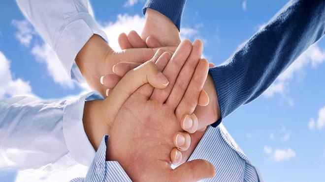 团队握手拼搏ppt背景图片