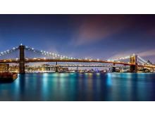 蓝色夜空下的桥梁幻灯片背景图片