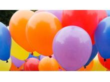 2张彩色爱心气球PPT背景图片