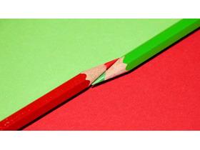 简洁红绿铅笔PPT背景图片