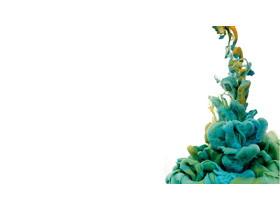 六张绿色颜料入水PPT背景图片