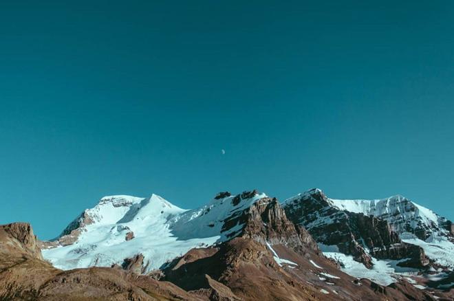 自然风景ppt背景_雪山山峰自然风光PPT背景图片 - 第一PPT