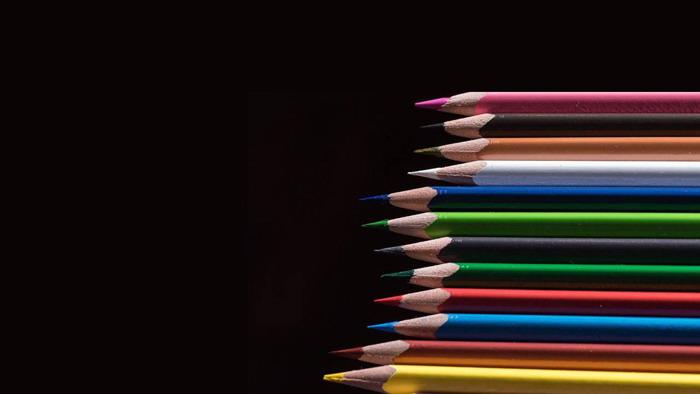 十三张彩色铅笔PPT背景图片