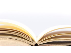 翻开的书籍PPT背景图片