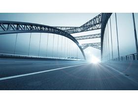 阳光下的大桥PPT背景图片
