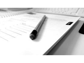 黑白铅笔记事本PPT背景图片