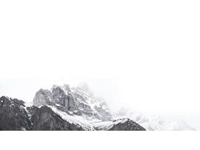 两张雅致高山山峰PPT背景图片