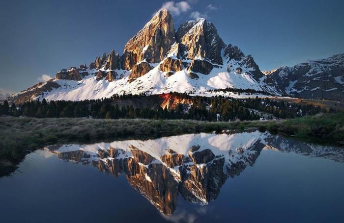 自然风景ppt背景_五张大气雪山自然风景PPT背景图片 - 第一PPT