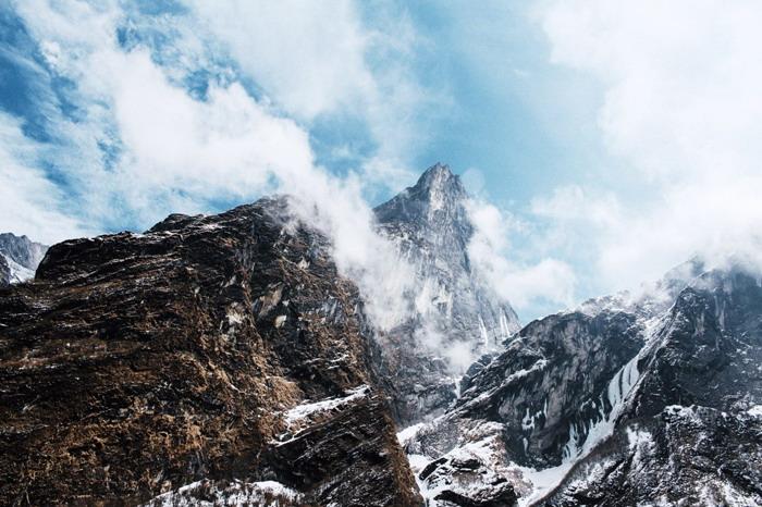 三张雪山高山PPT背景图片