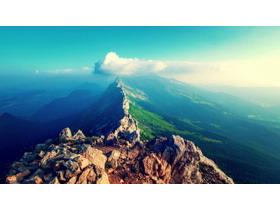 四��群山高山山峰PPT背景�D片