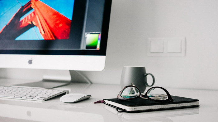 五张电脑办公桌面PPT背景图片