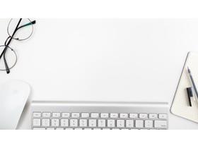 三张简洁办公桌面PPT背景图片